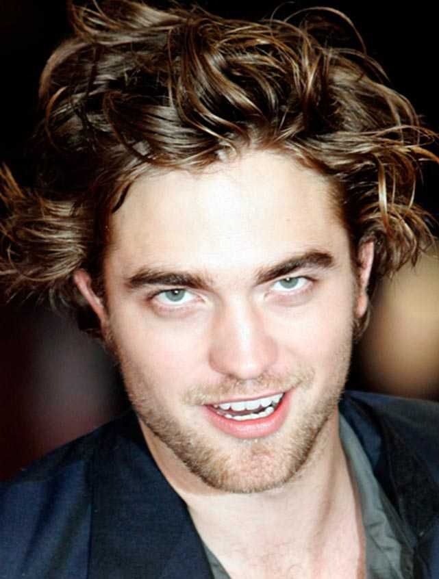 "Robert Pattinson, 23, spelar vampyren Edward i ""Twilight""."