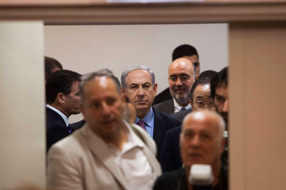 Under en presskonferens den 22 juli manar Benjamin Netanyahu det internationella samfundet att hålla Hamas ansvariga för de senaste veckornas våldsamheter i Gaza och säger att våldet hade kunnat få ett slut om Hamas hade gått med på tidigare förslag om vapenvila.