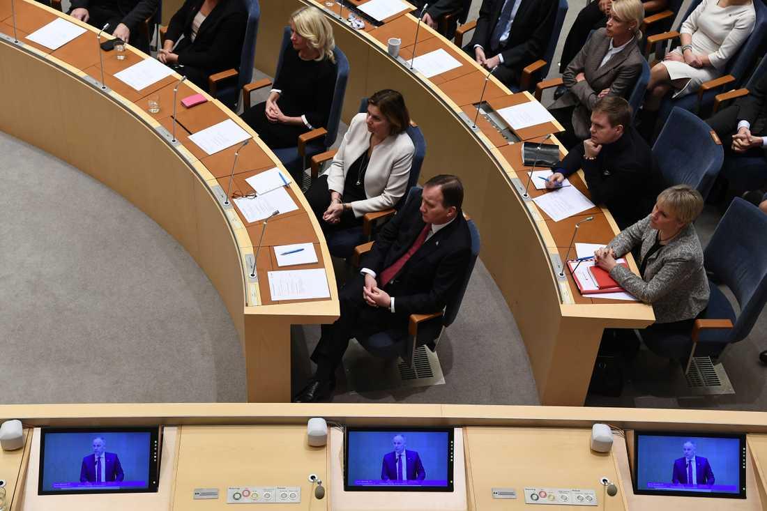 Klockan 9.00 röstar riksdagen om Stefan Löfven som statsminister.
