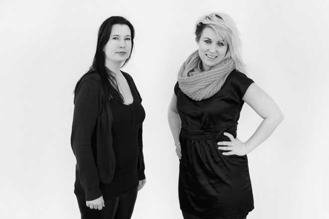 """""""DU ÄR QUEEN!"""" I år nominerades två musikprojekt, det här är det andra. """"Mina största förebilder"""" står det i nomineringsmejlet. """"Du är queen"""" riktar sig till kvinnor i Västerbotten som vill leva på sin musik. Genom kreativa och informationsspäckade inspirationshelger vill """"Du är queen!""""-duon Tove Liliequist och Kicki Fagerlund underlätta kvinnors väg in i musikbranschen – men också ändra normer i branschen i stort, genom opinionsbildning. Namnet är ett svar på att människor som gör något bra kallas """"Du är kung"""" – de kan lika gärna kallas """"Du är queen!"""".  På bilden Tove Liliequist (till vänster) och Kicki Fagerlund står bakom initiativet """"Du är queen!""""."""
