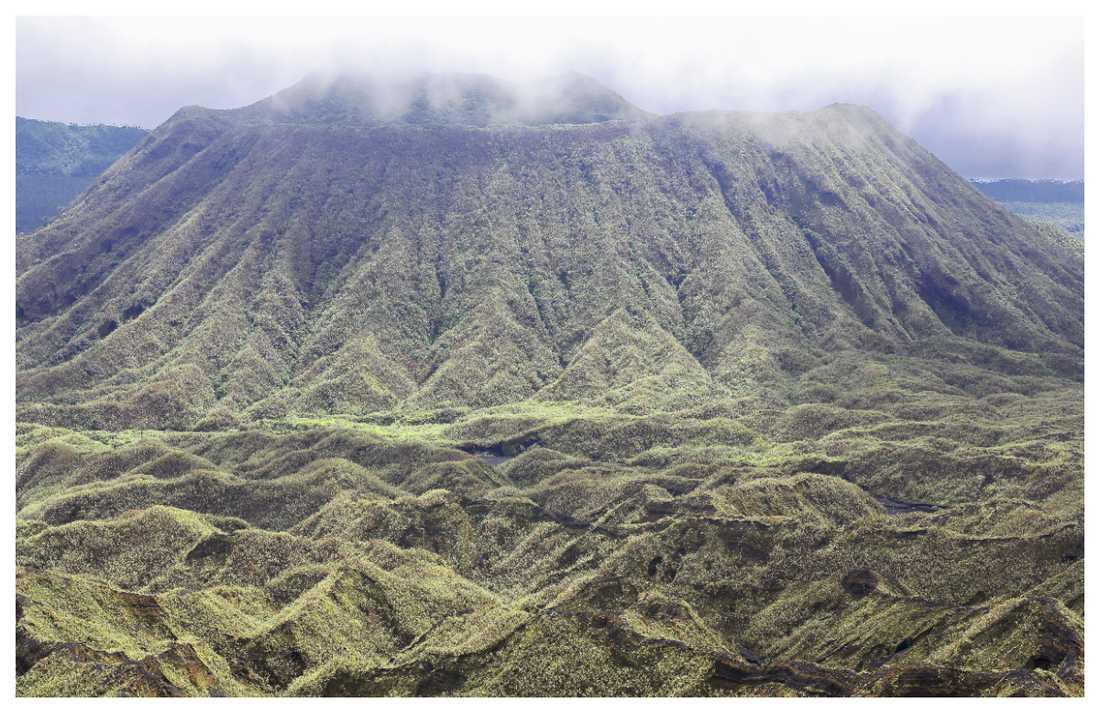 Det ryker ur vulkanen Manaro Voui för fullt.