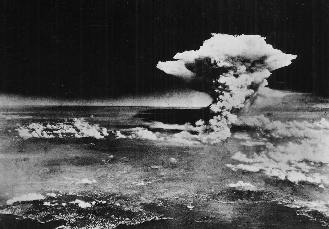 Little Boy var kodnamnet på den atombomb med uran som släpptes över Hiroshima den 6 augusti 1945 kl. 08:15.Bomben hade skeppats från USA ombord på fartyget USS Indianapolis.