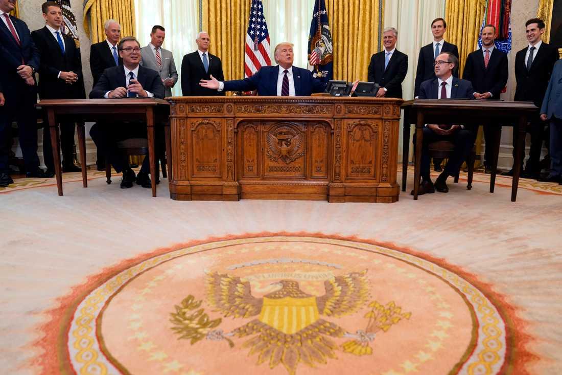 Undertecknandet i början av september av normaliseringsavtalet mellan Kosovo och Serbien i Vita huset under överinseende av USA:s President Donald Trump.