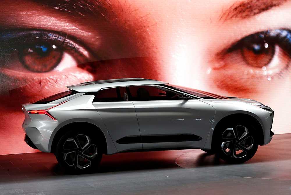 Världens motorblickar riktas just nu mot Tokyo och bilutställningen – Tokyo Motor Show. Ett smått galen utställning. Mitsubishi presenterar sitt e-Evolution-koncept på den 45:e bilmässan i Tokyo.