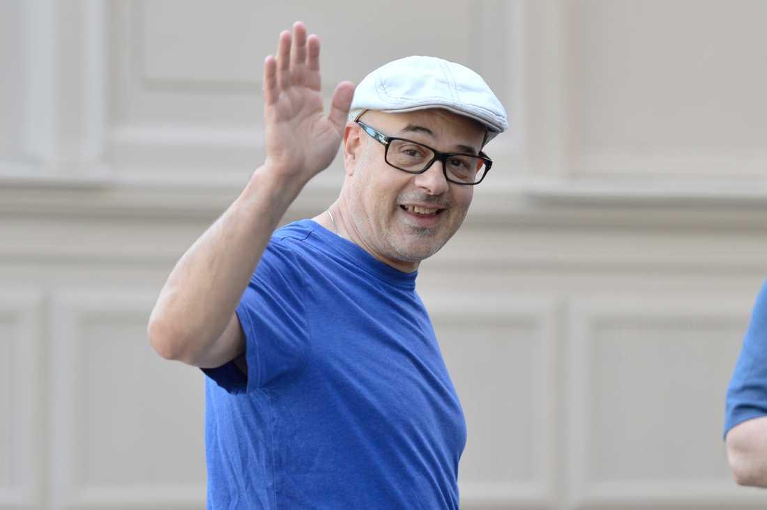 """""""Jag älskar att vara tillbaka i Göteborg"""", sa Charles Giordano när han kom ut från hotellet under fredagen."""