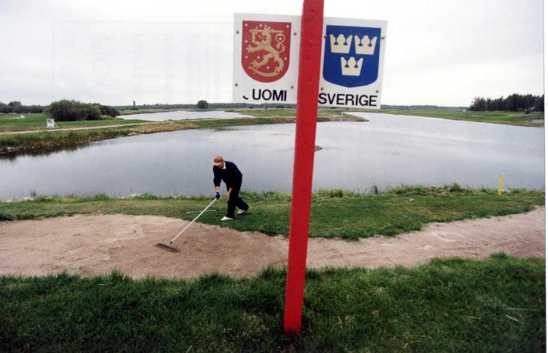 Många korsar den svensk-finska gränsen dagligen för att arbeta. Arkivbild.