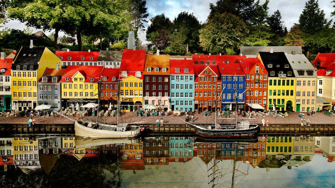 Nyhavn i Köpenhamn i miniatyr på Legoland.
