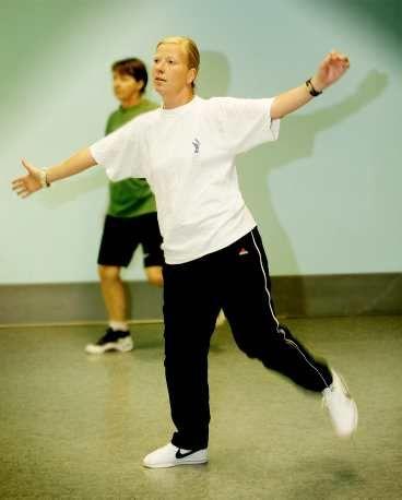 Målmedveten Kristina Axén Olins målsättning är att komma iväg på gympa två  gånger i veckan. 88849ced61b98