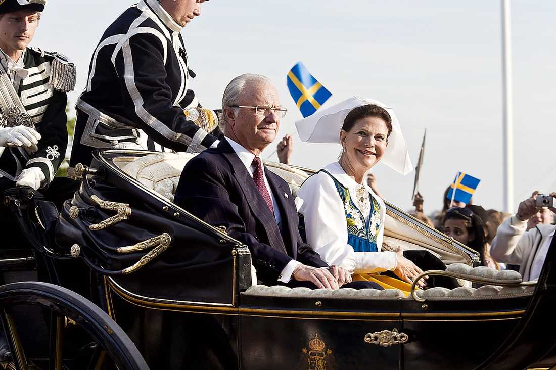Kungen och drottningen på nationaldagsfirandet 2010.
