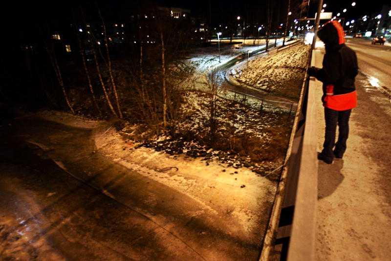 SLOGS FÖR SITT LIV Anna var på väg hem från krogen när hon attackerades på Tegsbron. Bilden är arrangerad.