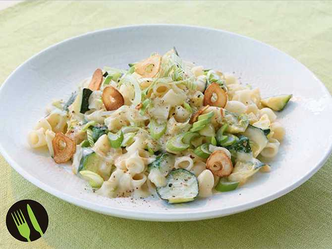Makaroner med krämig zucchini