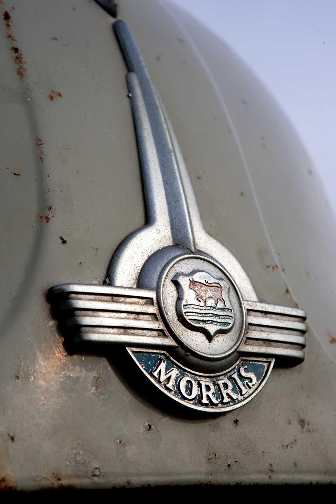 Emblem med fin patina.