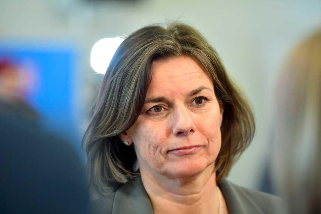 Isabella Lövin (MP), minister för internationell utveckling, anser att de 12,4 miljoner som Sverige betalar för ordförandeposten i OECD:s biståndskommitté är väl investerade pengar när biståndet utmanas från flera håll. Arkivbild.