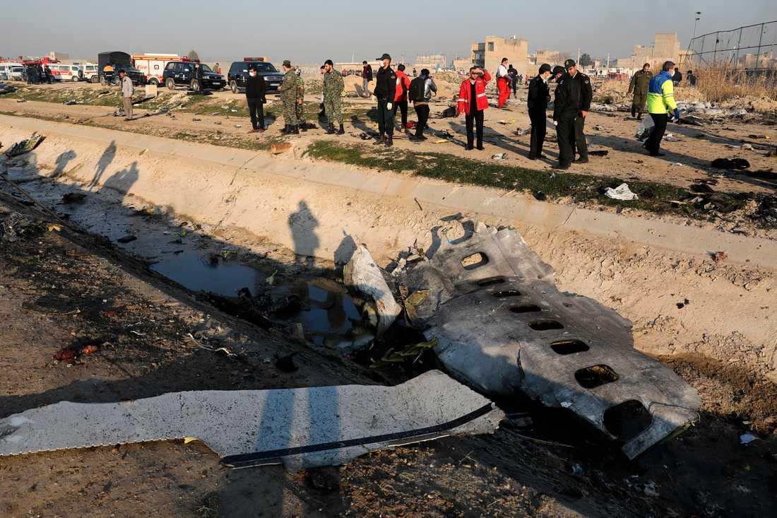 Metallbråte från det ukrainska flygplan som störtat i Iran.
