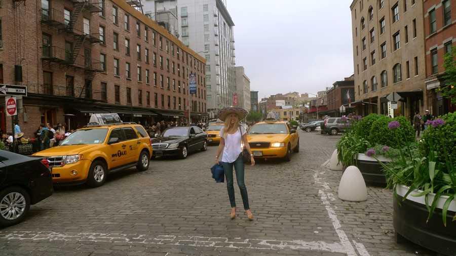 T-shirt - Zara, Jeans - Acne, Skor - Ralph Lauren, Hatt? - Cinco de Mayo.