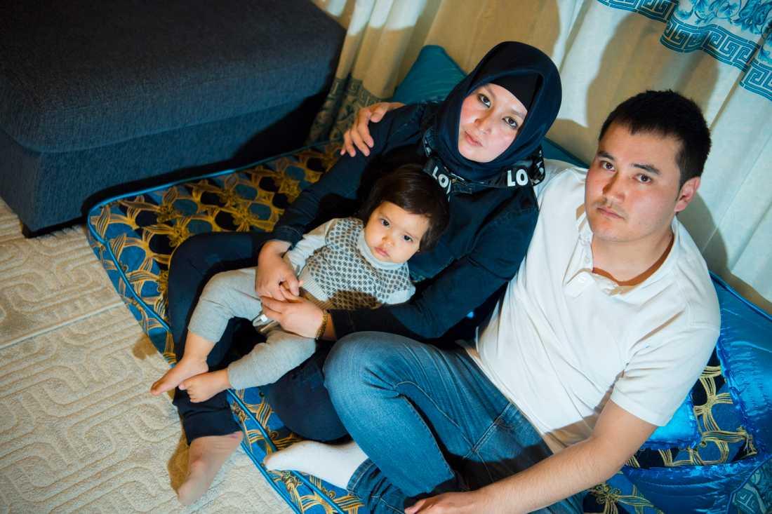 Familjen är kritisk till hur vården hanterade förlossningen.