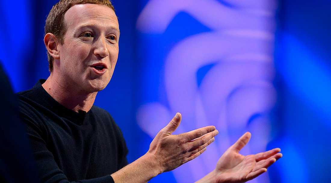 Det är inte Mark Zuckerberg och hans Facebooks fel att medier och myndigheter har gjort sig beroende av företaget, skriver Göran Sommardal.