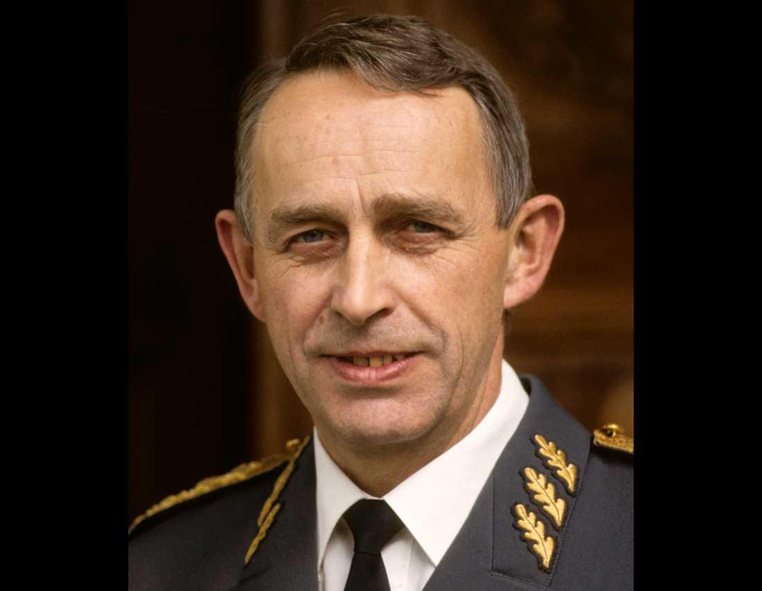Sveriges tidigare överbefälhavare Bengt Gustafsson har avlidit. Arkivbild.