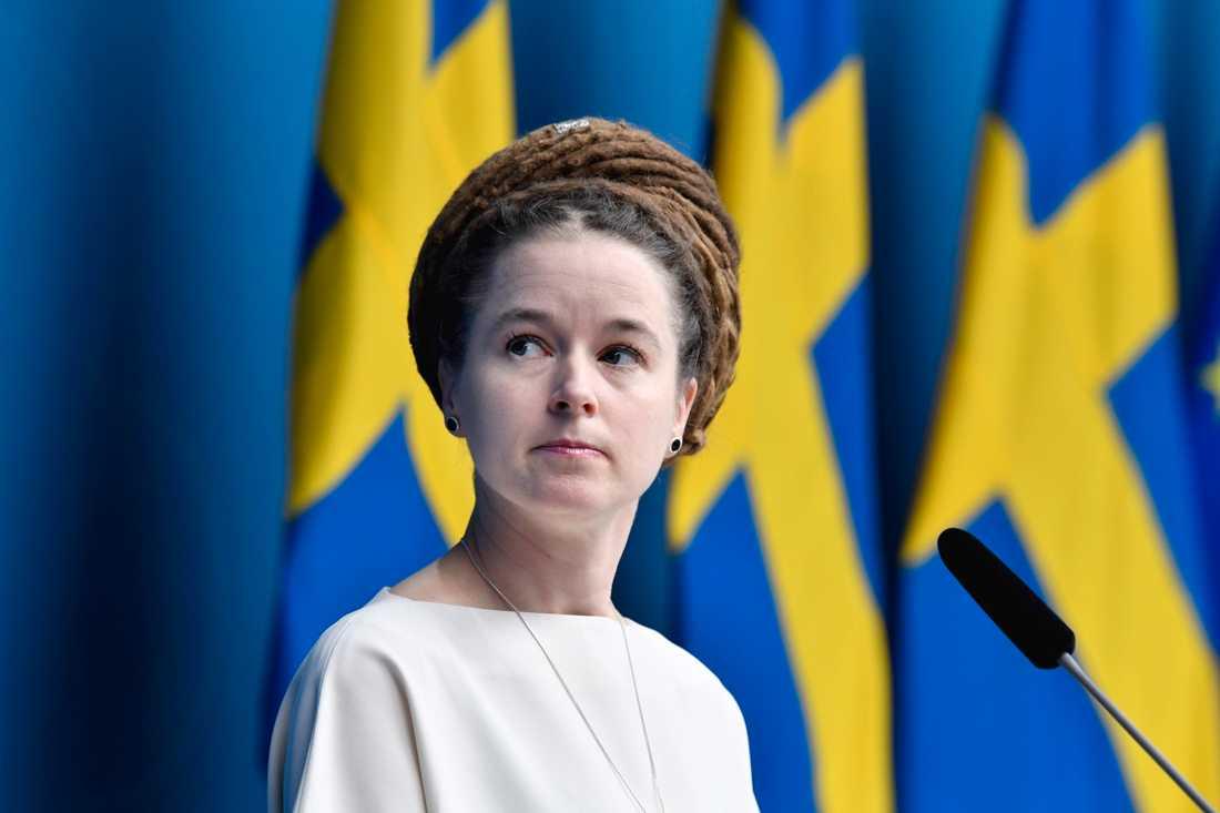 Kultur- och idrottsminister Amanda Lind vid torsdagens pressträff.