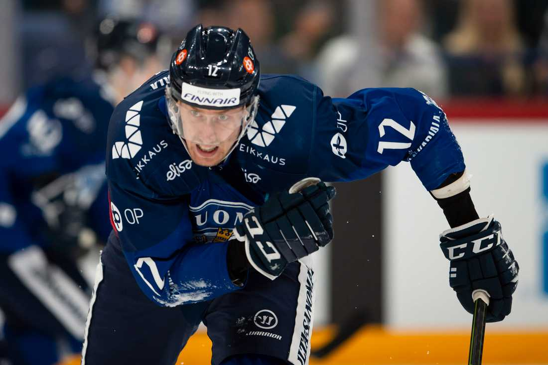 Marko Anttila under EHC: Nordic Cup-matchen mot Sverige 26 april
