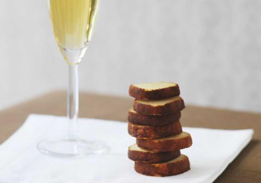 Champagnekakor med parmesanost