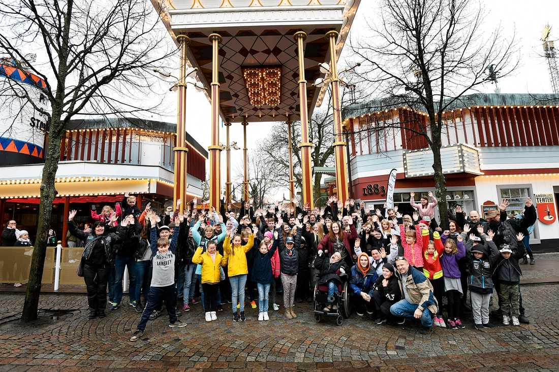 150 personer som Daca bjudit in samlades vid Gröna Lund för en heldag med skratt och skrik.