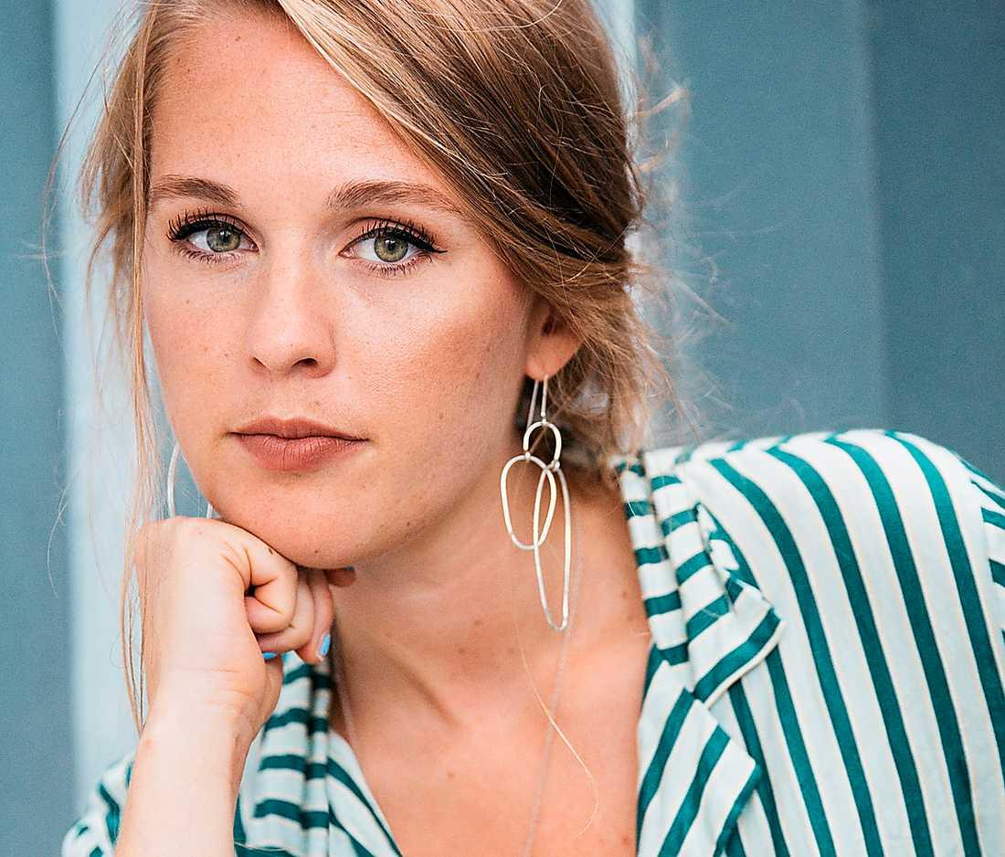 """Yrsa Keysendal (född 1992) debuterar som romanförfattare med romanen """"Friläge""""."""