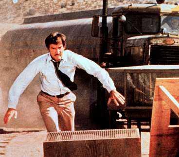 Dennis Weaver spelar en vanlig man på bilresa i Kalifornien i Steven Spielbergs första långfilm.