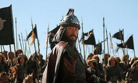 """Djingis Kahn som han ser ut  i ryska filmen """"Mongol"""" från 2007."""