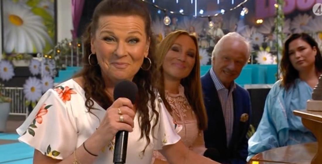 Lotta Engberg blev överraskad av Sanna Nielsens Lotta-medley.