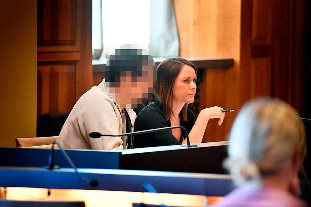 Den misstänkte läkaren omhäktades av Stockholms tingsrätt.