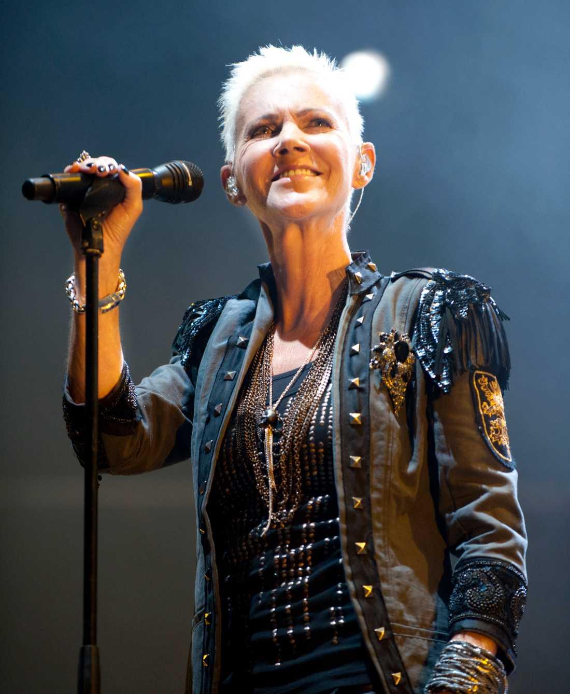 Maria Fredriksson vid Roxettes turnépremiär i Sundsvall 2010.