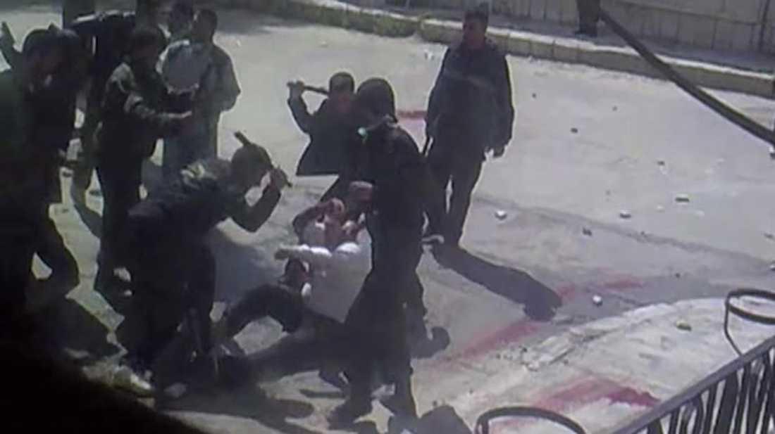 """En fånge misshandlas av vakter under en så kallad """"välkomstceremoni"""""""