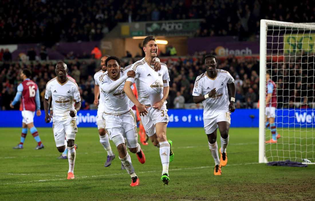 Sånt här hoppas Swanseas nya ägare få se mycket av nästa säsong.