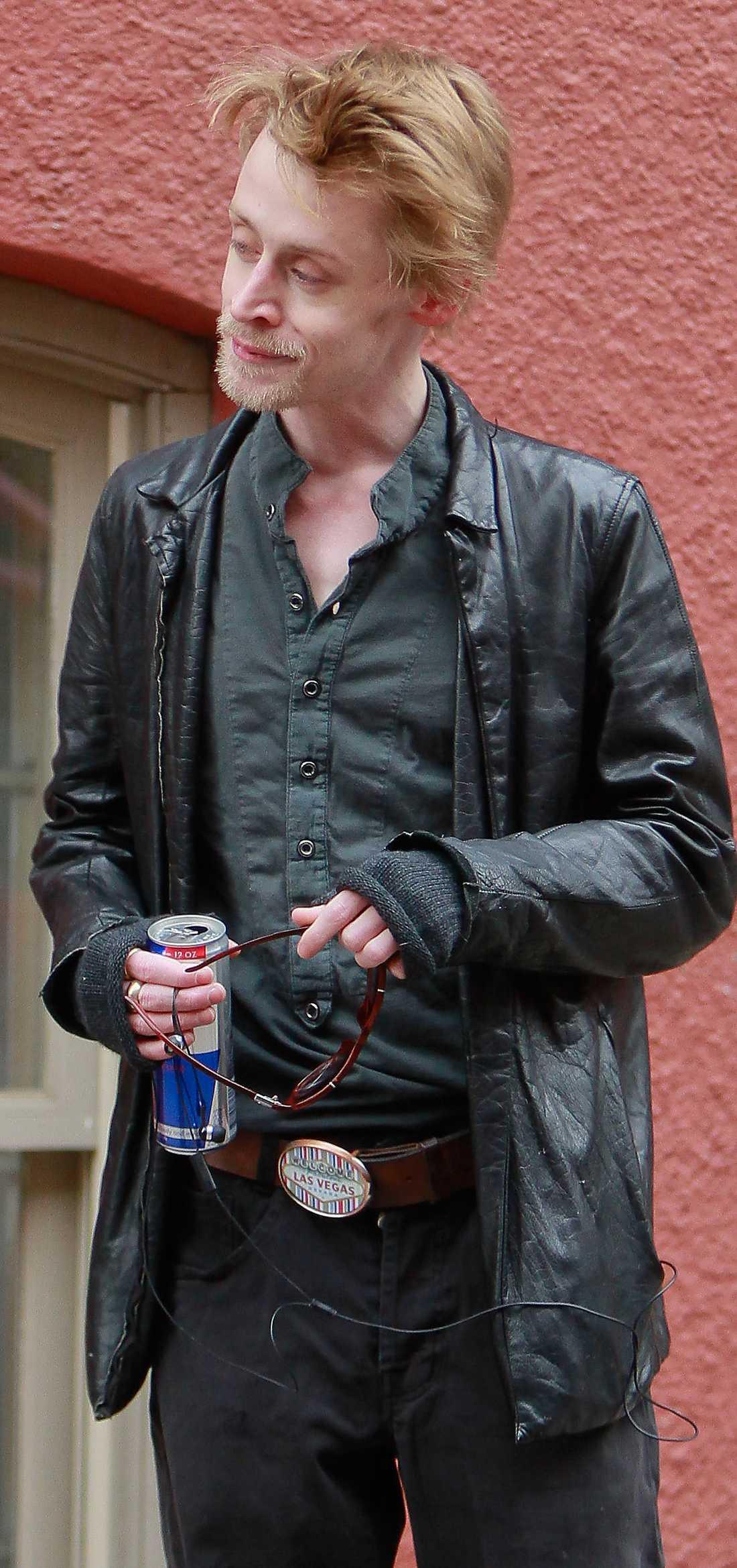 DEN FORNA BARNSTJÄRNAN Bilder på en mycket smal Macaulay Culkin på promenad i New York oroar en hel nöjesvärld.