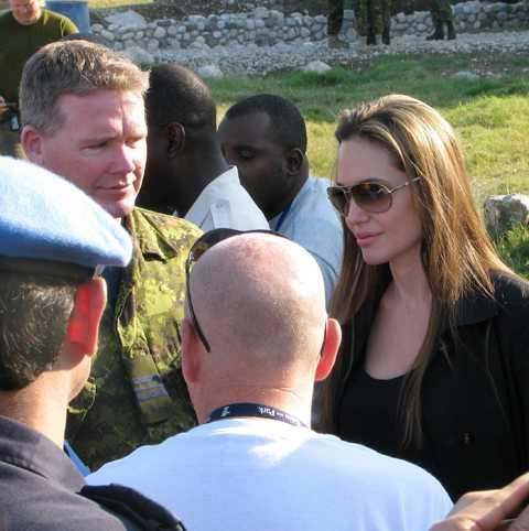 stjärnstatus Jolie är ambassadör för FN:s flyktingorgan, UNHCR.