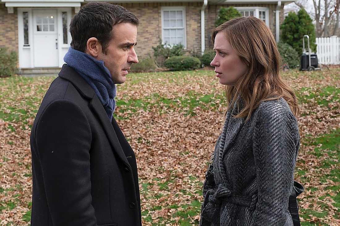 """Justin Theroux och Blunt i """"Kvinnan på tåget""""."""