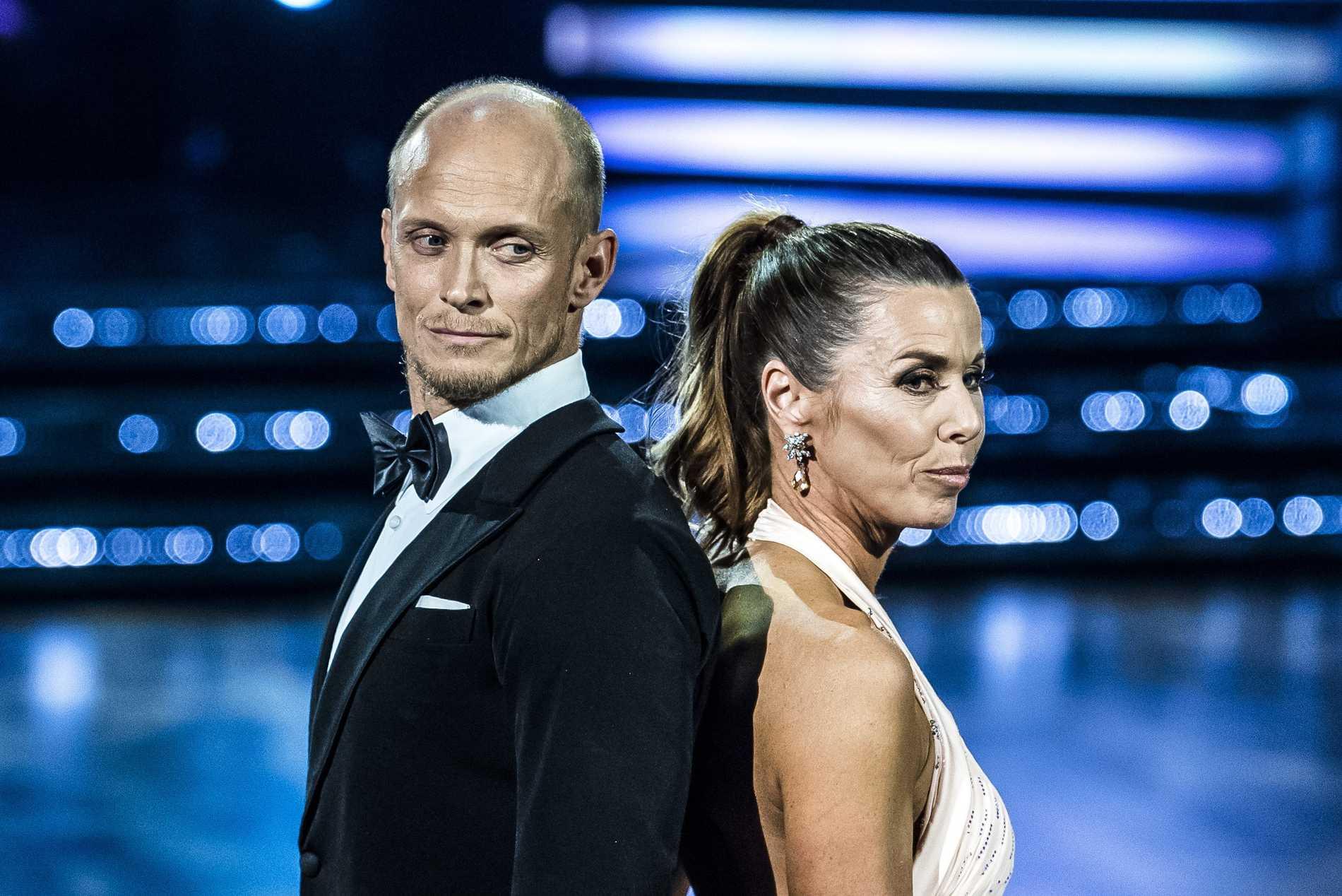 "Tobias Karlsson i ""Let's dance"", här med Magdalena Forsberg."