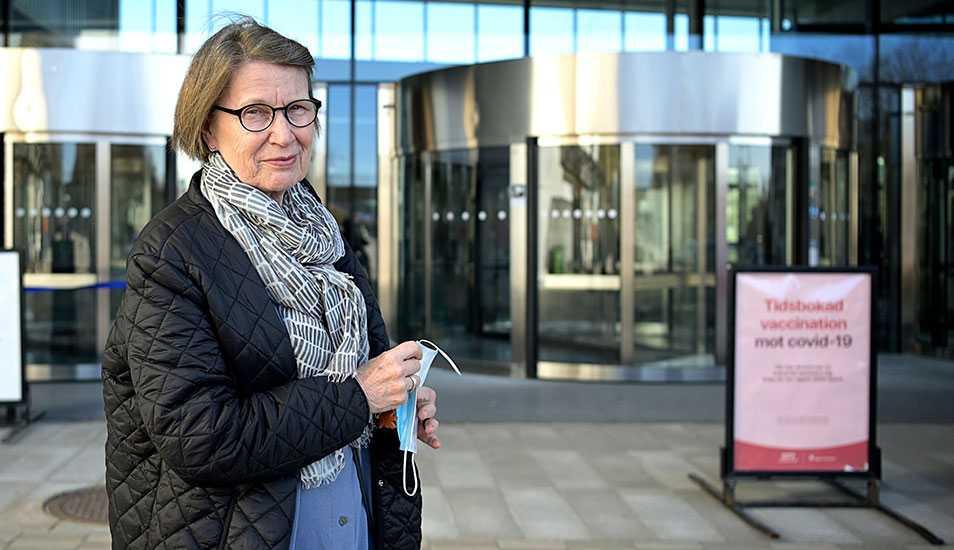 Lena Otterstad fick även hon en vaccinspruta på Stockholmsmässan under torsdagsförmiddagen.