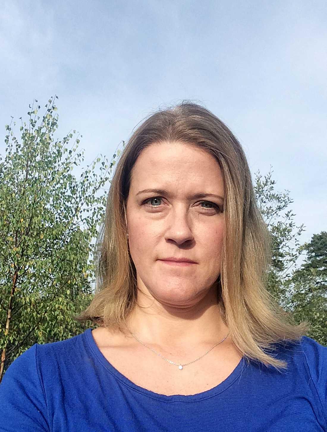 KNOCKAD I MOTIONSSPÅRET Ebba von Platen, 41, var ute och sprang när det plötsligt kom en golfboll farande i hög fart.