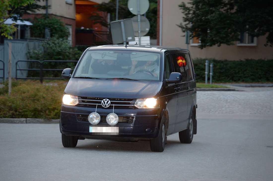 Paret fördes till polishuset i Västerås på onsdagskvällen dagen efter att de greps i Norge.