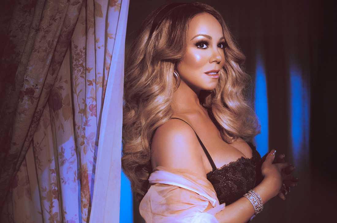 Mariah Carey släpper sitt femtonde album och om två veckor håller hon julshow i Göteborg.