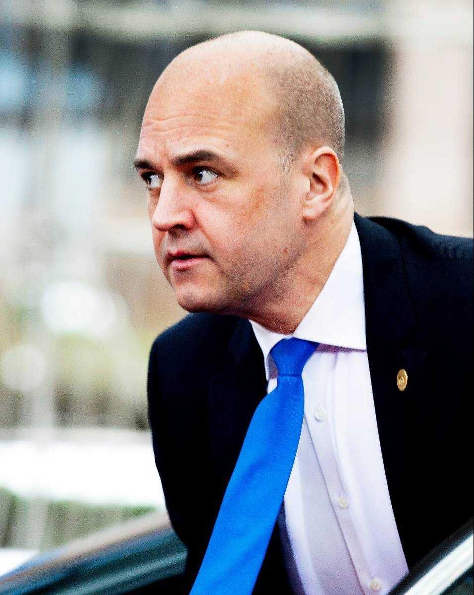 Fredrik Reinfeldt säger att han har förtroende för Tobias Billström tills annat anges – men han var samtidigt stenhård i sin kritik mot migrationsministern i går. Enligt uppgifter till Aftonbladet tycker Reinfeldt att Billström har slarvat alldeles för mycket på sistone och att han inte har varit tillräckligt förberedd och ödmjuk i sitt jobb.