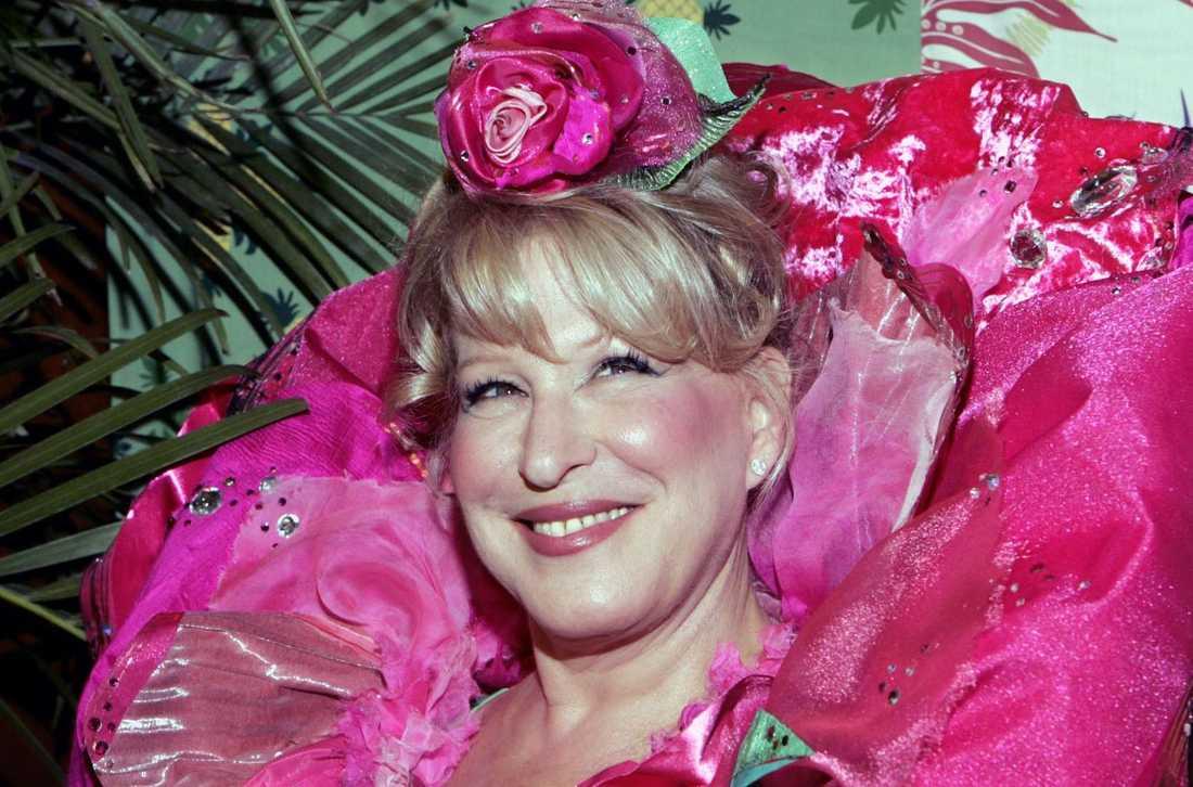 Bette Midler lever i storfamilj med make, dotter och svärson.