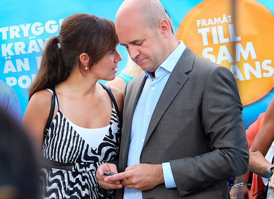 Filippa Reinfeldt, 45 och Fredrik Reinfeldt, 46.  Gifte sig 1992 och har tre barn tillsammans.  Innan separationen bekräftades i början av mars florerade rykten om att paret hade levt isär en tid.