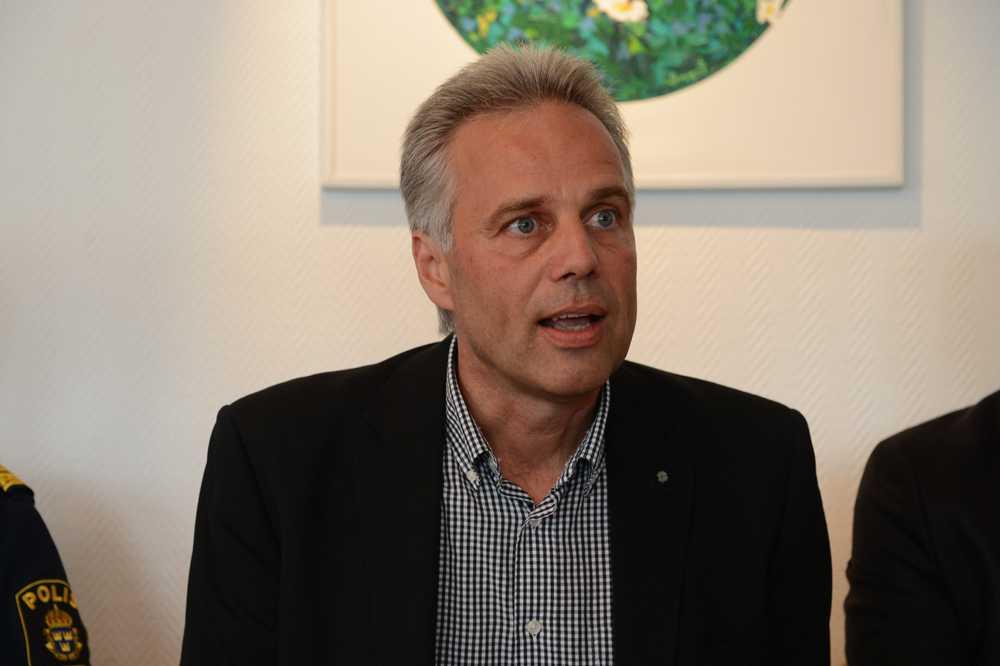 """Nässjös kommunalråd Anders Karlsson, C, uppmanar SD-ledaren Jimmie Åkesson att inte komma på besök. """"Hans blotta närvaro här skulle vara provocerande"""", säger han."""