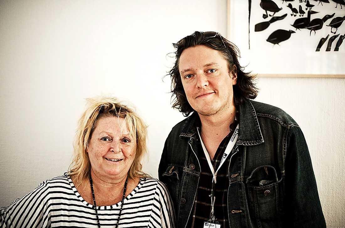 Kikki Danielsson med Aftonbladets reporter Jon Forsling.