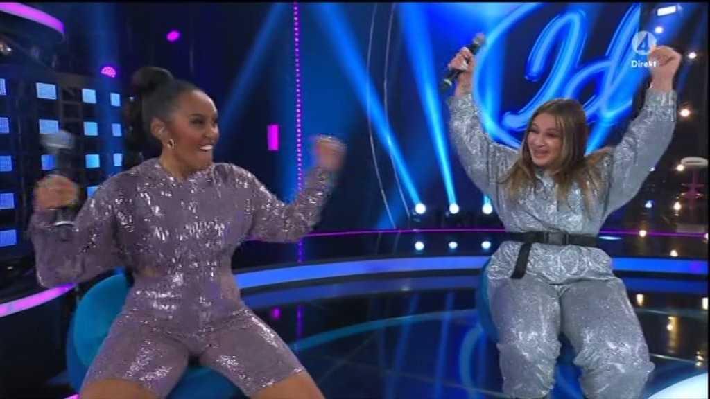 Nadja och Paulina jublar.