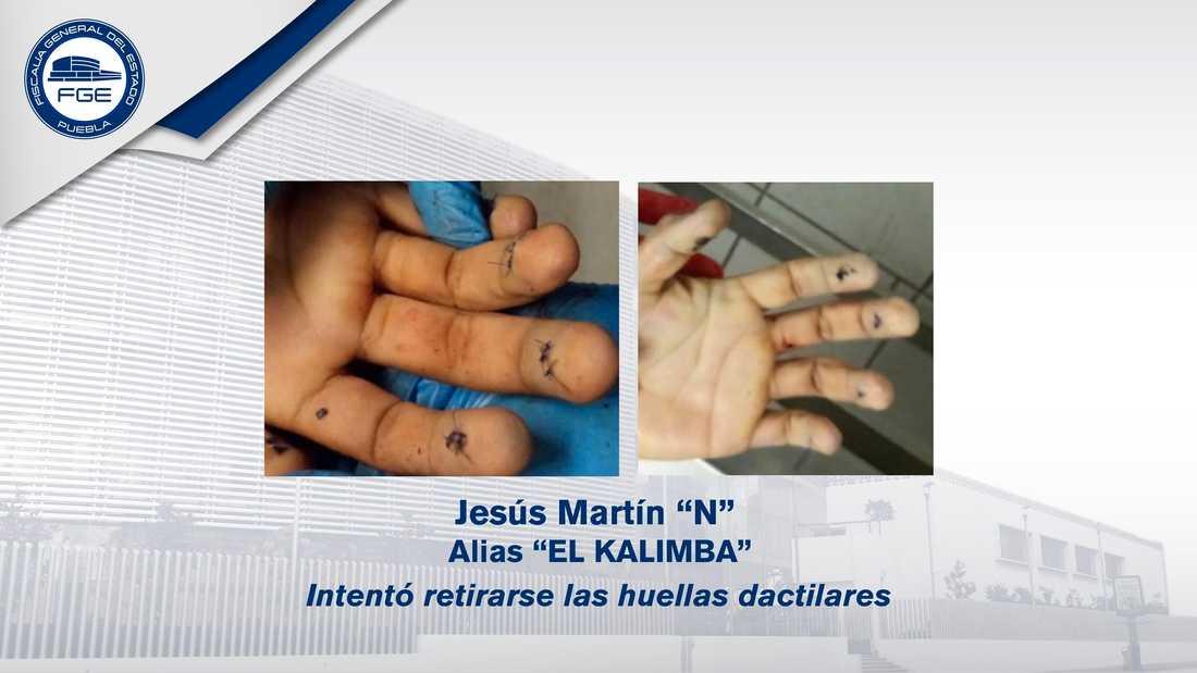 """Åklagarmyndigheten i Puebla har publicerat den här bilden på gangsterledaren """"El Kalimbas"""" händer."""