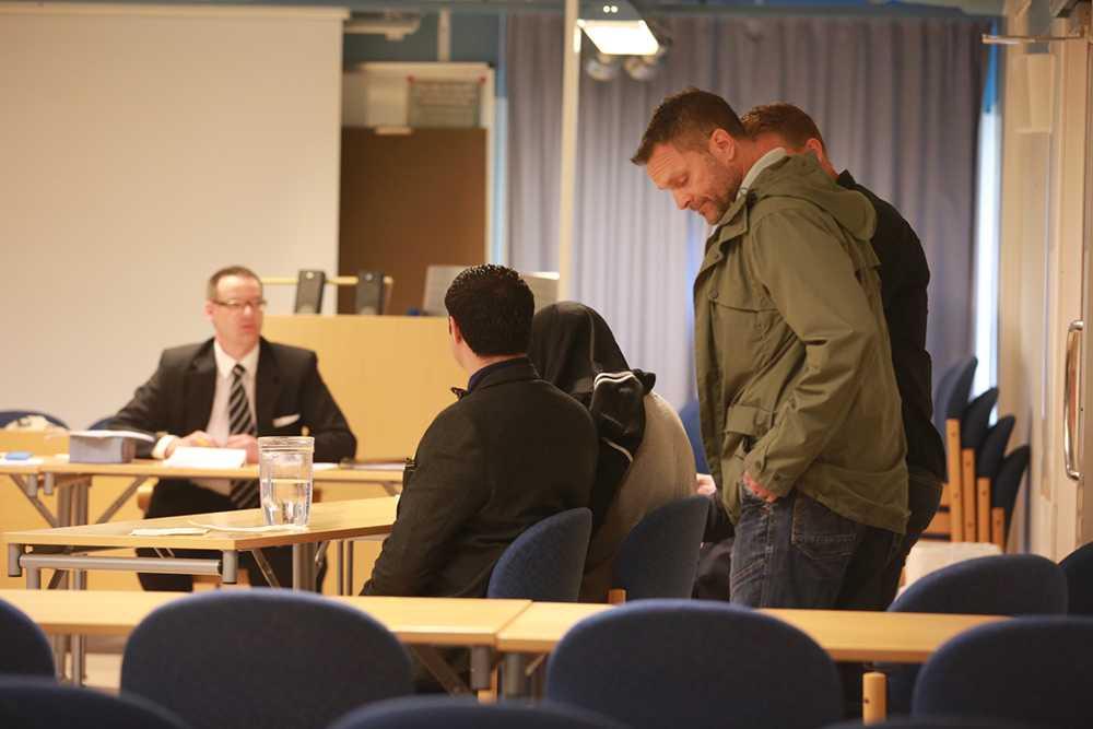 Den misstänkte mannen under häktningsförhandlingen.